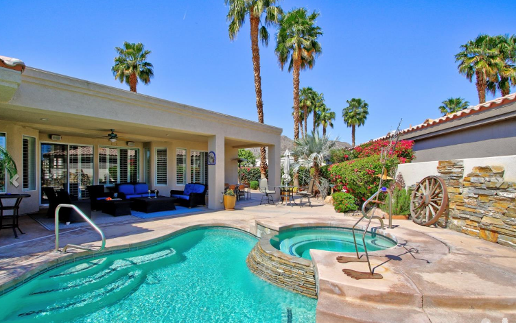 La Quinta Lakes Home for Sale